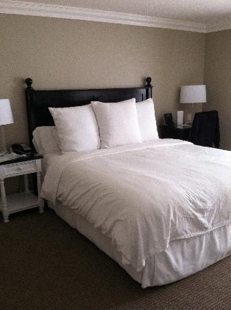 Hotel Metropole: King size bed 408