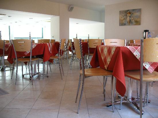 Ageri Hotel: Breakfast room