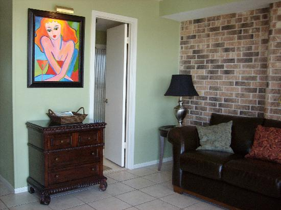 Aransas Princess: entryway to 804