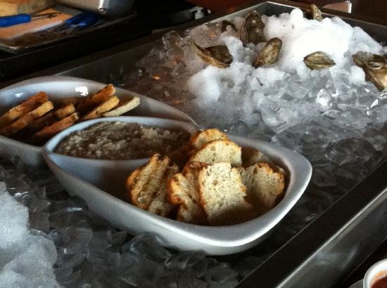 Alice Fazooli's : Bread and Dip