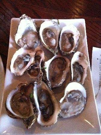 Alice Fazooli's : Another 10 oysters