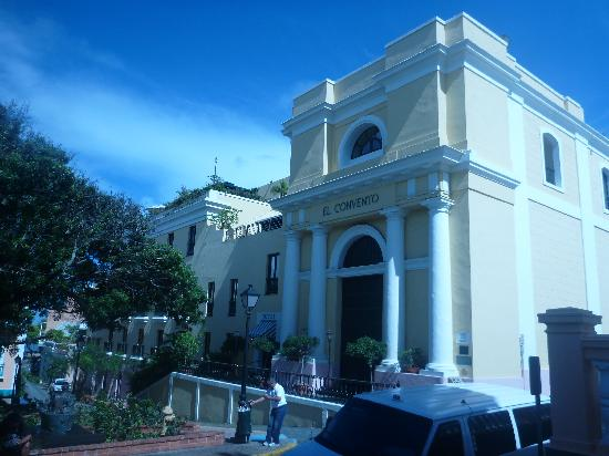 Hotel El Convento: The hotel from across the street