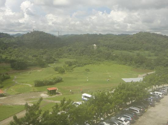 Radisson Summit Hotel And Golf: Golf course and forest