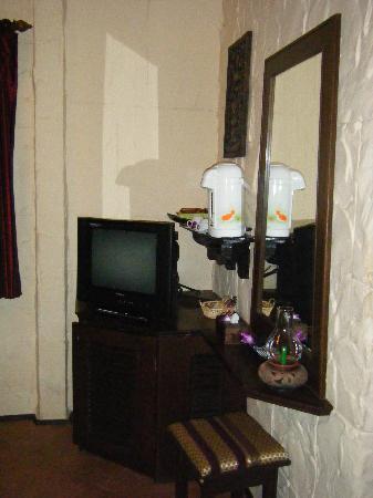 Boomerang Village Resort: Superior Room N°107 : Mini Coin Télévision Avec  Frigo En