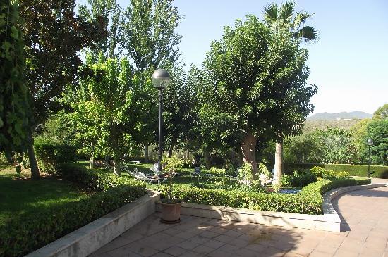 Club Cala Romani: The hotel gardens