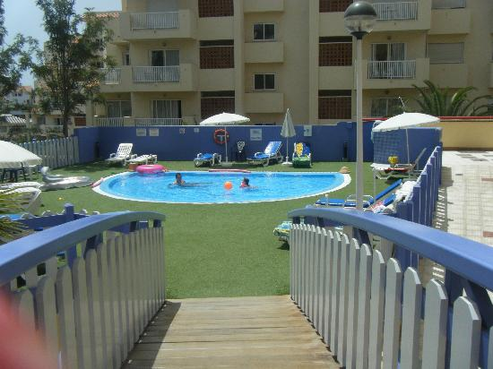 PlayaOlid Suites & Apartments: childrens pool