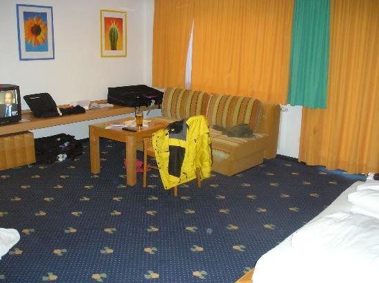 Hotel Der Waldhof: room