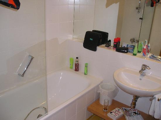 Hotel Der Waldhof: bath room