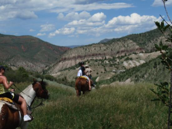 Vail Residences at Hotel Talisa: horseback riding