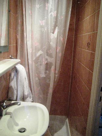 Hotel de l'Exposition - Republique: ванная