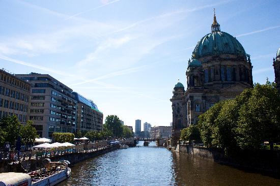 Radisson Blu Hotel, Berlin: Looking down he Spree, the Radisson Blu on the left, the cathedral on the right