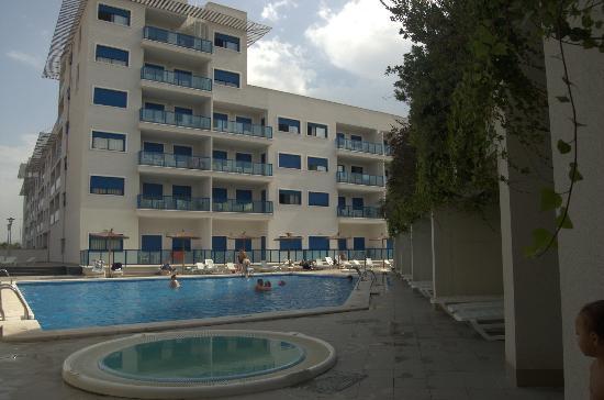 Apartamentos Turísticos Alicante Hills: Zona de la piscina