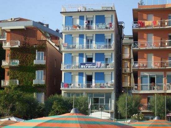 Hotel Strand Gabicce Mare: veduta dalla spiaggia