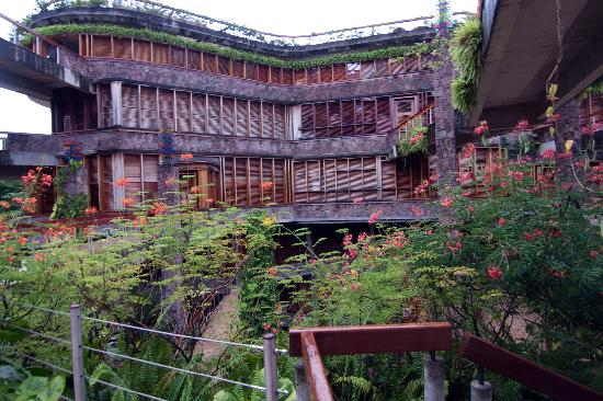 Jade Mountain Resort: main building