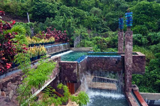 Jade Mountain Resort: fountains
