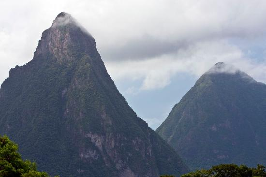 Jade Mountain Resort: The Pitons