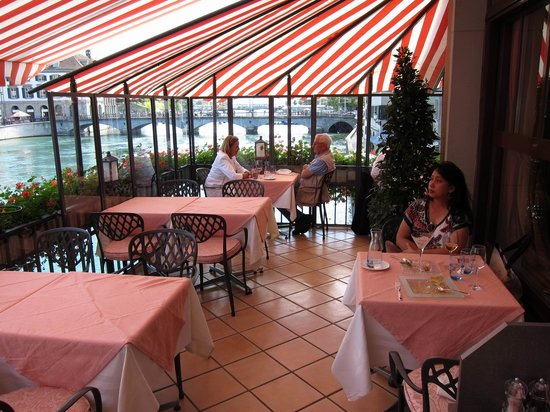 La Rôtisserie: Rotisserie seems like a part of the Limmat River