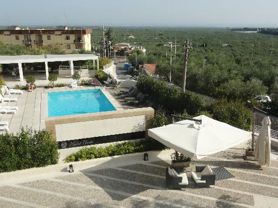 Hotel Pineta : View of pool & sea in the distance