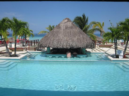 pool and swim up bar picture of couples swept away negril rh tripadvisor ca