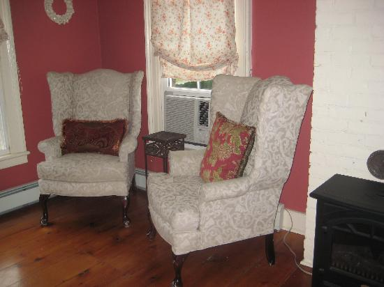 Ellis House: Sitting Area