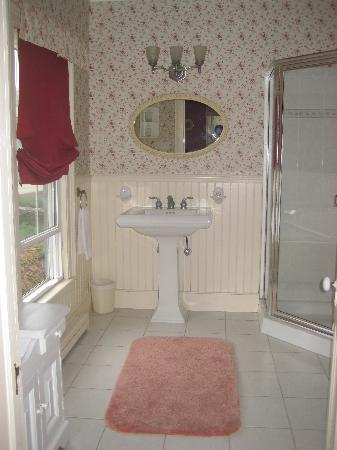 Ellis House: Bathroom