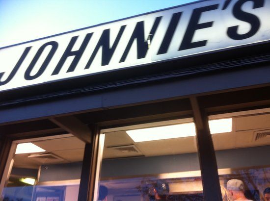 Photo of Fast Food Restaurant Johnnie's Beef at 7500 W North Ave, Elmwood Park, IL 60707, United States
