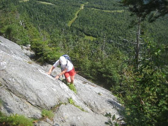 The Gables Inn: Hiking up Cliff Trail in Stowe Vermont