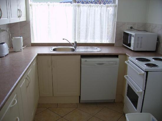 Sunseeker Holiday Units: 1 bedroom kitchen