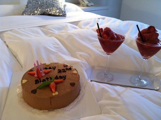 Sisu Boutique Hotel & Spa : thank you Ginge (VIP manager) for arranging cake! x