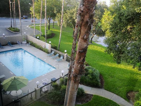 Holiday Inn Express Tampa-Brandon : View of pool from our room