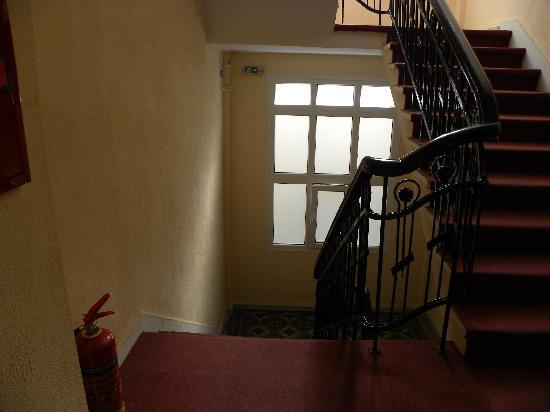Hotel Ilisia : The stairs