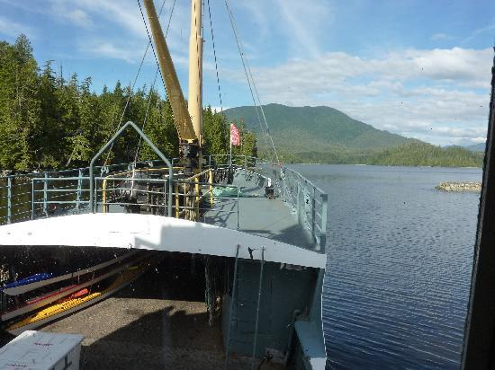 Lady Rose Marine Services: Sailing through the Broken Islands