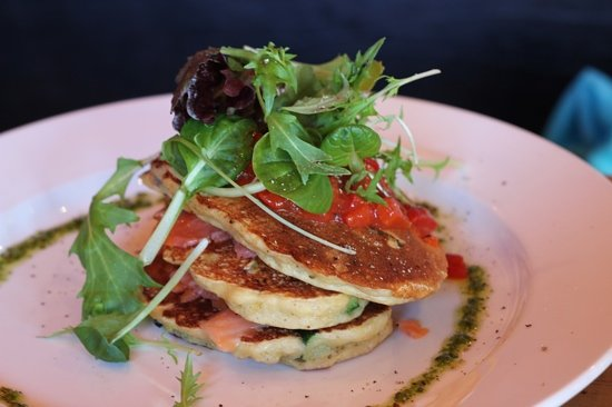 Cafe Gusto : Corn and feta fritta with smoked salmon