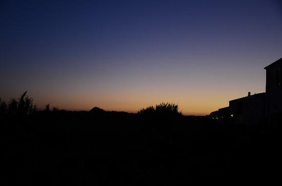 Marina di Butera, Italia: tramonto dal villaggio