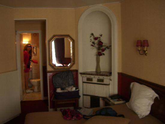Elysees Parc Monceau: habitación