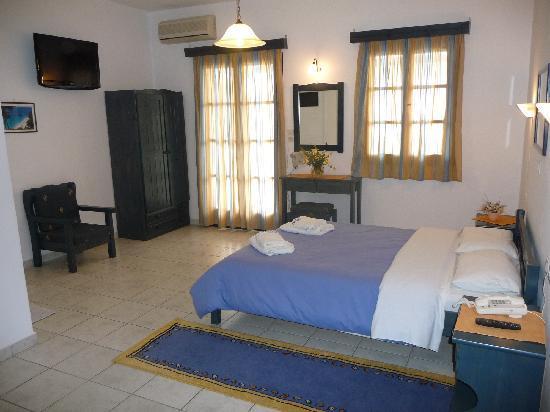 Hotel Aeolis : double room