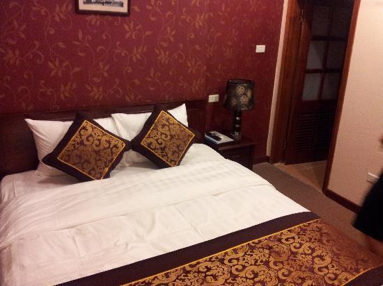 ฮานอย เทรียมพาล โฮเต็ล: room view,the bed is so nice