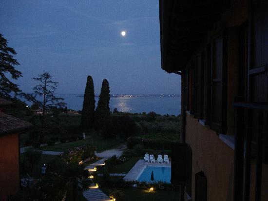 Corte Ferrari: Moonlight view from the balcony