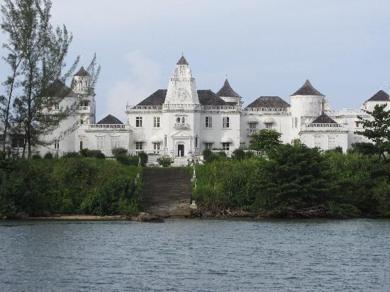 Geejam : Trinity Castle - Port Antonio