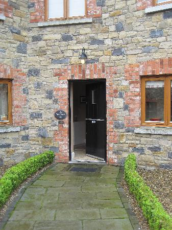 Decoy Country Cottages: view of our door