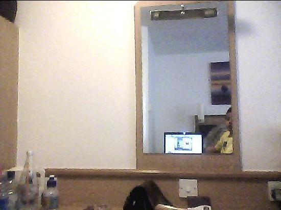 Premier Inn Walsall (M6, J10) Hotel: Desk! Used for applying lady makeup!