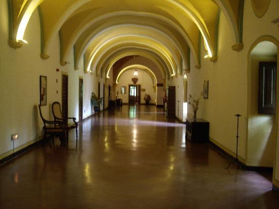 Hotel Monasterio de Piedra & Spa: Pasillos del Hotel