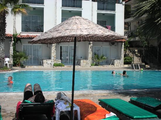 Venti Hotel Luxury: Piscina