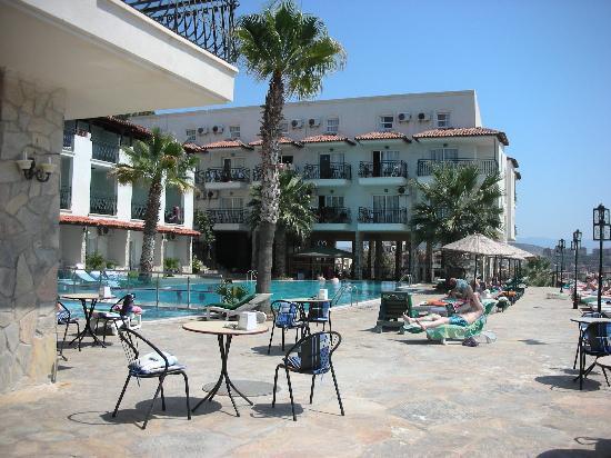 Venti Hotel Luxury: Bordo piscina