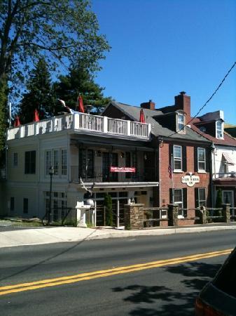 Olivia's Bridge Street Inn: great location