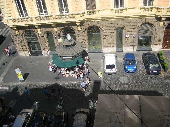 Tritone Hotel: Out of the window