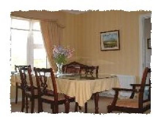The Arches B&B: dining area