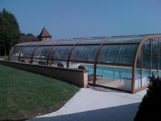 Domaine de la Rhonie : La piscine couverte
