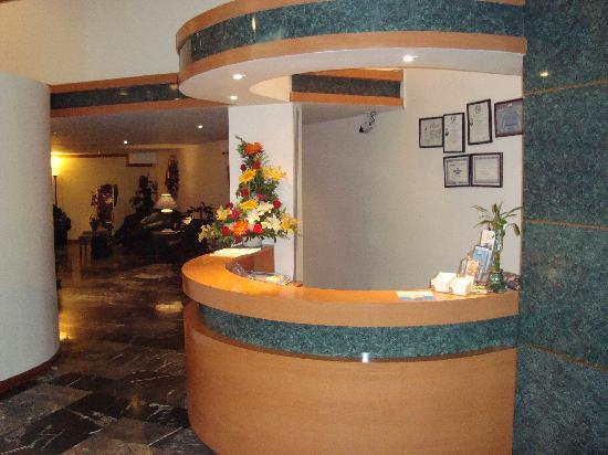 Grand Hotel Tijuana: American Bio-Dental