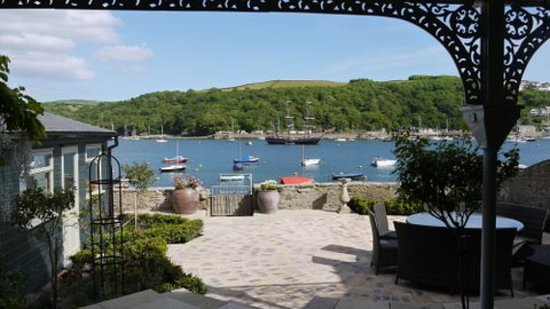 Fowey Residences: River front garden view.